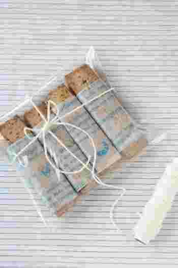 グラシン紙で包んでから、透明なビニール袋に入れてもおしゃれです。 取り出すときや、食べるときも手が汚れなくておすすめですよ!