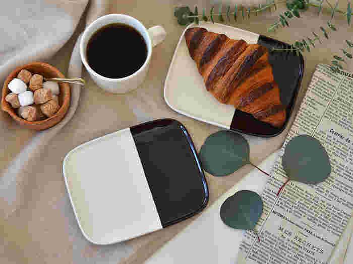 茶色と白で塗り分けられた「マリメッコ(marimekko)」のプレートは、使いやすさとさりげないデザインで、お気に入りの器になりそう。どんな食事にもあうシンプルな器なので、朝・昼・晩と大活躍しそうですね。