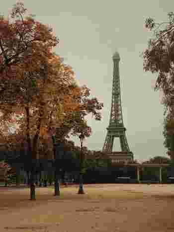 この冬、パリでは何が流行?コーデに最新パリ・シックのエッセンスを取り入れよう