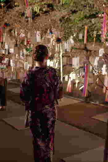 このイベント、実は全国から参加可能! 全国から願い事を募集していて、集められた「願い」は、京都五山の送り火や清水寺などでお焚き上げしてもらって、天に届けられます。  参加されたい方は、以下のサイトへ。 自宅にいながら京都の夏の星空へ、願い事を送ることができますよ♪