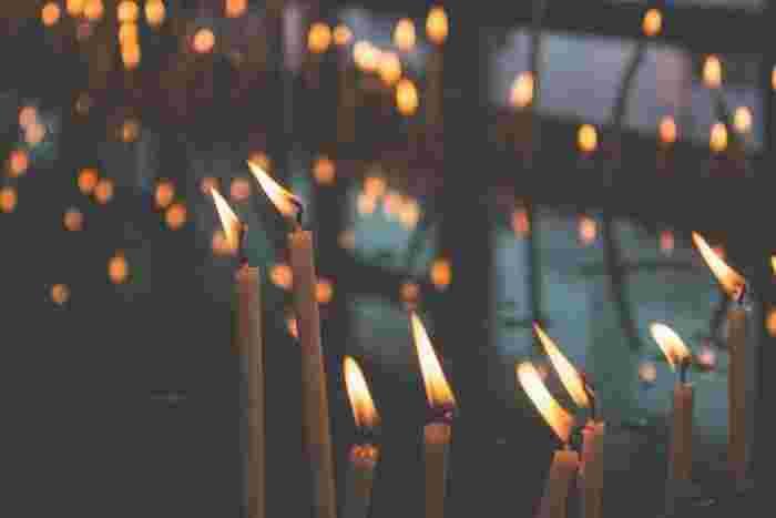 火を見つめると何だか心が落ち着いてきませんか。ゆらゆらと不規則に揺れる姿に、癒しの秘密があるようです。