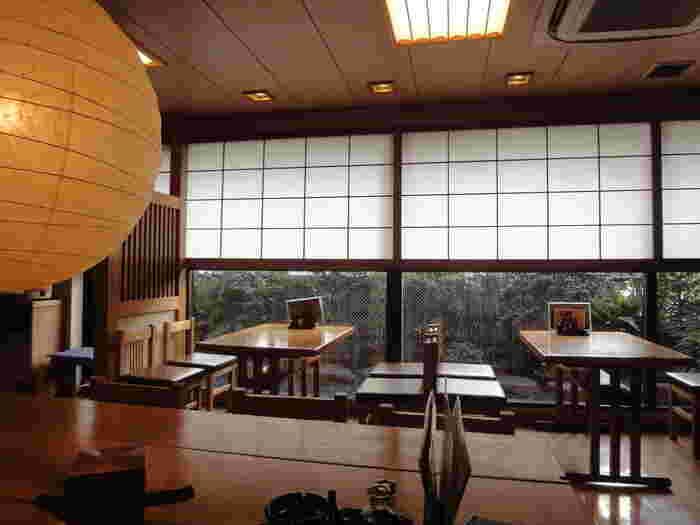 渋谷から徒歩3分の「福田屋」は、「渋谷で蕎麦ならココ」という程人気の名店。店内は、蕎麦店らしい落ち着いた雰囲気。