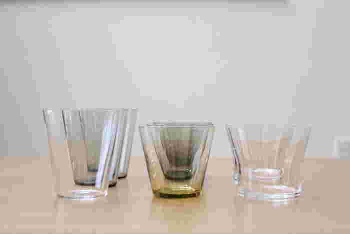 スタメンはこちら。イッタラのカルティオはじめスガハラガラスのfifty's ロックなど。デザインも似ていて並べて置いても違和感がなく素敵です。