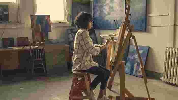 アートの世界に興味があるなら、美術大学が開講する一般社会人向け講座に通うのがおすすめです。最近では実際に第一線で活躍しているアーティストが講師に招かれているので、新鮮でクリエイティブな刺激を受けることができます。