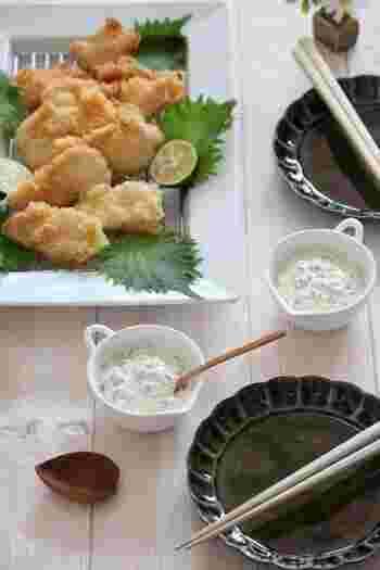 甘酢漬けが余ったら、刻んでタルタルソースにしてみましょう。こちらは甘酢漬けの漬け汁も使う無駄なしレシピ。天ぷらや唐揚げにもよく合う味なので、子どもたちもたくさん食べてくれそうです。