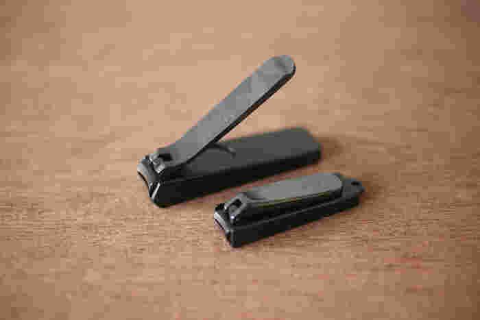 あまり切れない爪切りは、割れや二枚爪の原因になることも。「木屋」の爪切りは、1987年の発売以来、常にトップを走り続けるロングセラー商品です。ずっと使い続けられるようなベーシックなデザインと、何と言っても切れ味の良さが人気。