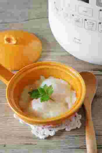 温泉卵のおいしさを引き立てる、白だしの生姜あん。色も薄いので、見た目もきれいです。上品な一品として朝食のテーブルを楽しませてくれそうですね。