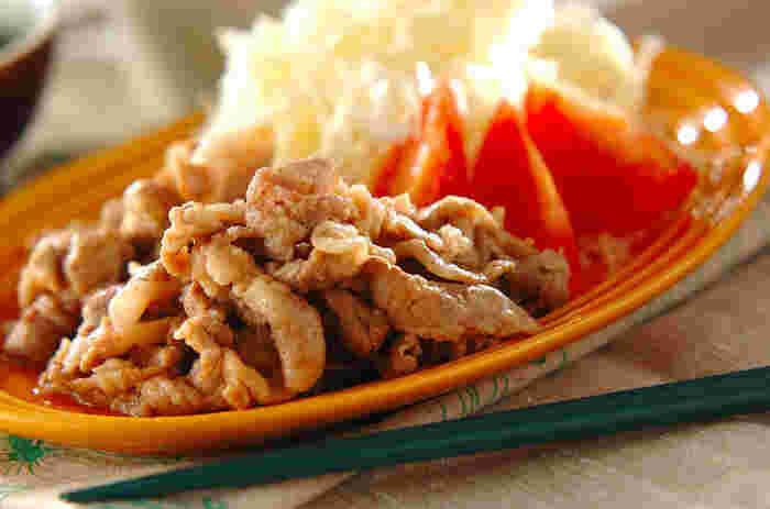 みんな大好きな味付けの生姜焼きも薄切り肉でスピーディーに。甘辛いタレでご飯が進むのでお弁当のおかずにもいいですね。