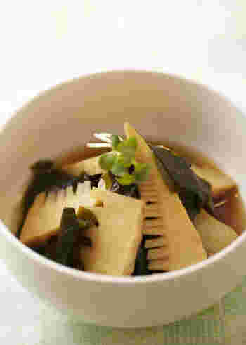 季節の味覚・たけのこを使った、上品な味わいの煮物。木の芽など添えれば、まるで料亭の料理のような本格的な仕上がりになります。