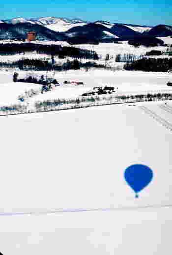なかには、流氷を空から眺める熱気球フリーフライトのプランもあるようです。興味のある方は、以下のリンク先でチェックしてみてください。