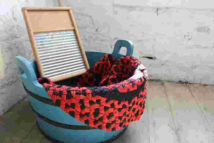 夏のレジャーにもぴったりなトートバッグですが、よく使う分、汚れも気になってきます。 正しいお手入れ方法で、お気に入りのバッグをキレイにしてみませんか?