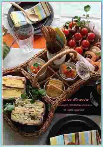 思い立ったらすぐに出かけたいピクニック。今回は、簡単でおしゃれなレシピや、ピクニック気分を盛り上げてくれるランチボックスなどいろいろご紹介しましょう。