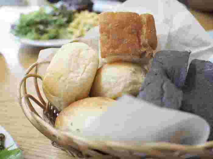 甘くてふわふわの湯だねパンは大人気◎おかわり自由なのもうれしい!