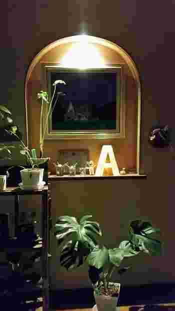 アルファベットの大きさやフォントによってもマーキーライトの雰囲気はガラリと変わってきます。またペイントの仕方次第でも印象は大きく変わります。どんな雰囲気のマーキーライトを作りたいか、実際の素敵な作品を参考に見つけていきましょう!