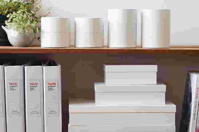 暮らしの中に「新しいスタンダード」を提案するブランド「MOHEIM(モヘイム)」。時を経ても古びることのない美しさと、日常に溶け込む自然な佇まいを追求し、様々なインテリア製品を生み出しています。