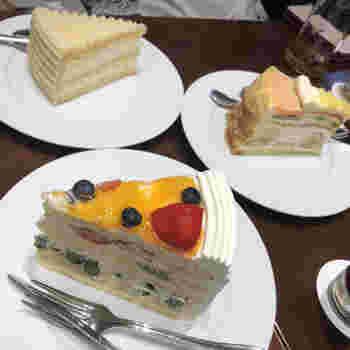 ケーキはカットしたあとの断面が美しく、それもハーブスならではの特徴です。  珈琲はもちろん、紅茶のラインナップも豊富。きっと一緒に訪れた人との会話に花が咲く、楽しい時間を過ごせますよ。
