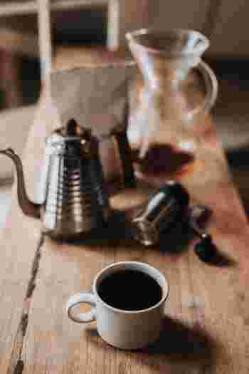 """今回は、慌ただしい朝にも、休日ののんびり時間にもおすすめの""""コーヒーメーカー""""をご紹介したいと思います。 是非、日々の暮らしに欠かせない道具のひとつにしてみませんか!"""