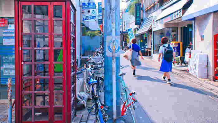 雑多に個性が寄り集まる街、下北沢。そんな、暮らすのも訪れるのも楽しい下北沢の素敵なカフェをご紹介します。