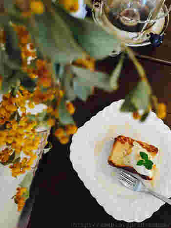 カフェメニューも充実しています。こちらは、ブルーチーズのベイクドチーズケーキ。
