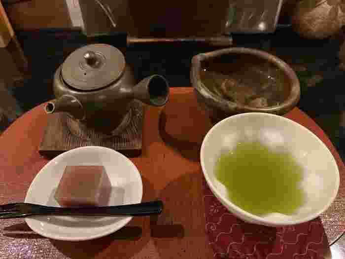 このお店では、有機栽培無農薬のお茶を使っているため、新鮮で滋味溢れたお茶をいただけます。また、こちらのお店は甘味も人気です。暑い時期のかき氷がおすすめなのだそうですよ。