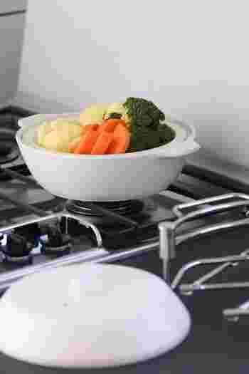 必要なものがすっと手の届くところにある。整えられたキッチンは、主婦のコックピットのようなものです。美しく機能的に整えていくと、頭もスッキリと回転が速くなります。