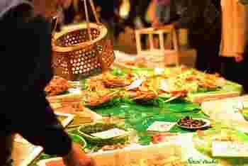 「近江町市場」は、一般人向けのため、9時開店の店が多く、遅めの朝ごはんにいかがでしょう?
