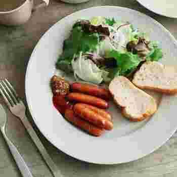 一枚のお皿に盛り付けるだけで、簡単にカフェ風ご飯が楽しめるワンプレート料理。 ぜひお気に入りのお皿でさらにおしゃれなワンプレートごはんを楽しんでみてくださいね♪