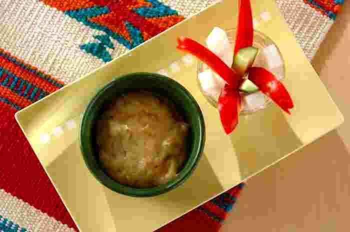 豆乳を使ってオイルの量を抑えたヘルシーなバーニャカウダ風のレシピです。クルミを入れて食感もアップ!