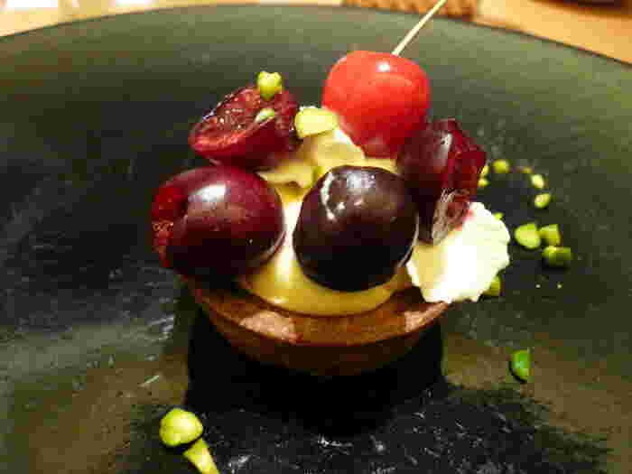 パスタランチにはドルチェも付きます。こちらは「山形さくらんぼのタルト」。前菜からデザートまで、山形名産の野菜や果物をしっかり堪能できますね。