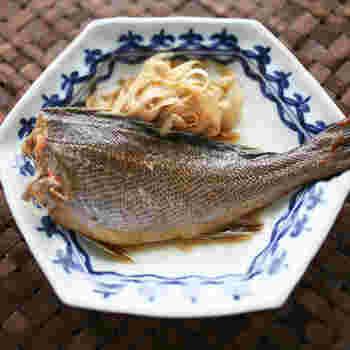 シンプルですがイサキの濃厚な味わいを堪能できる万能レシピ。煮魚は強火で作ることで煮汁に魚の臭みが出なくなります。短時間で作れるのも嬉しいですね。