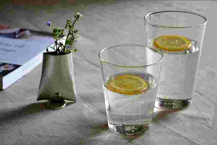 日常のTHEと呼べるものを展開するTHEシリーズ。 そのグラスに選ばれたのが、この「THE GLASS」。