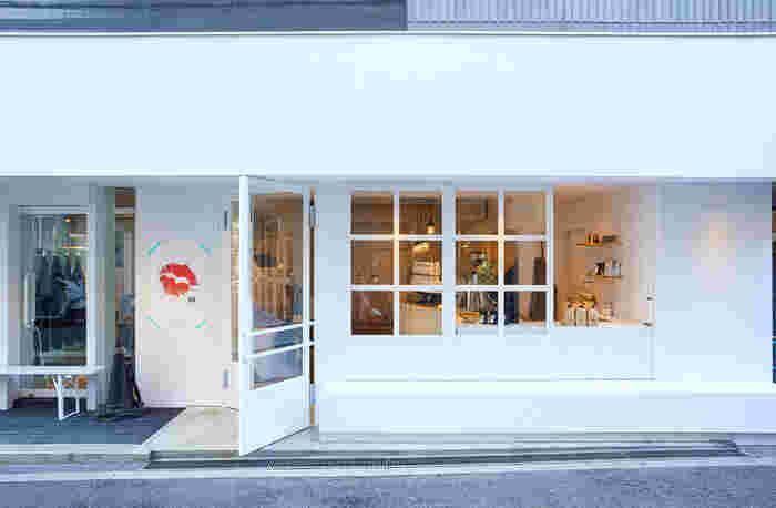 代官山駅から徒歩5分ほどの八幡通り沿いにあるのが、「ink by canvas tokyo(インクバイキャンバストウキョウ)」。広尾にある複合施設「CANVAS TOKYO」の2号店です。