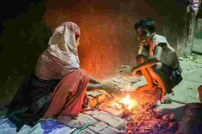 格差社会による貧困問題を明るく描いたストーリーで、貧しさに負けない兄弟の純粋さとたくましさに感動します。インド映画の良作ともいえる心温まる作品です。
