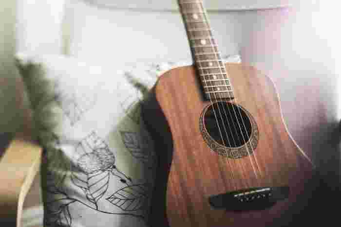 音楽が好きなあなたにオススメの楽器演奏。ギターやピアノをこれから始めて、好きだった曲を引き語りできるようになると、きっとまだ見ぬ新しい世界が広がりますよ♪また、練習の息抜きに好きなアーティストのライブへ行くのはストレス発散にもなるのでおすすめ。