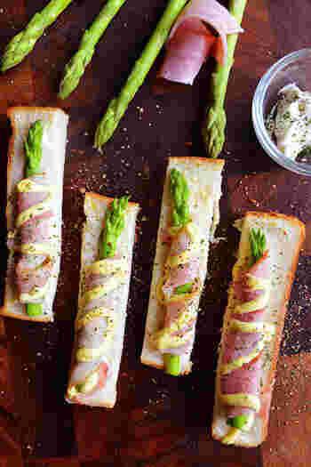 おつまみにもなるサイドディッシュは、食べやすさもポイントですね。こちらは、ベーコンやクリームチーズなど家にある普通の食材がおもてなしに大活躍のメニュー。デリ風のおしゃれな雰囲気も◎。