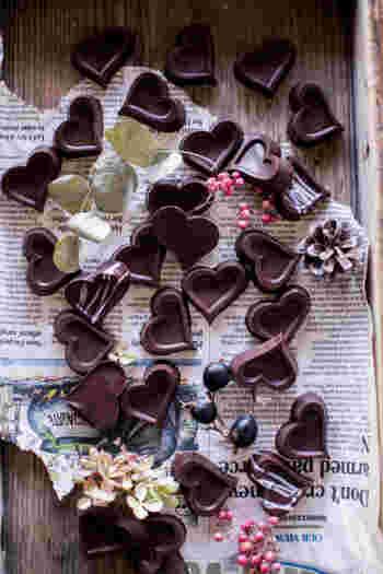 アールグレイの茶葉を使った、上品なボンボンショコラ。大人っぽいハート型も素敵ですね。バレンタインのほかにも、普段のちょっとしたプレゼントやお土産にもぴったり。