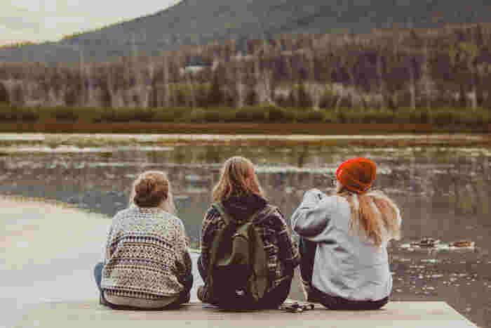 年末年始の休みを利用して生まれ育った場所に帰省したり学生時代の友達と会う、という方はきっと多いと思います。久しぶりの家族との時間や、仕事抜きで語れる友人との時間はとても貴重なものですよね。