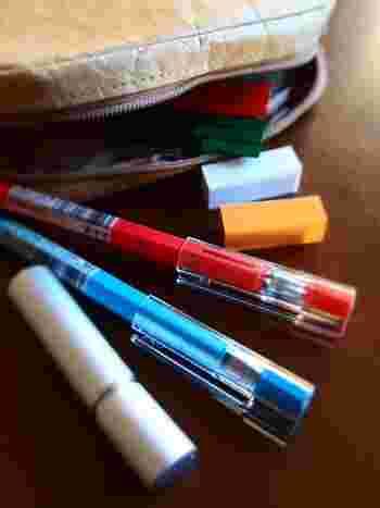 無印良品のペンは、何本も揃えたくなるほど機能性が高く豊富なラインナップ。ペン先の細さも選ぶとができ、お好みの書き味を試して購入できます。無印良品のペンを使って書くと、いつもより字が美しくなるような気がするのは筆者だけでしょうか。
