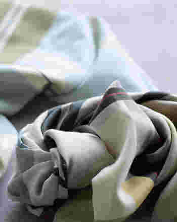 ちょっと恥ずかしいけど、挑戦したい!「スカーフ・ベルト・サングラス」の浮かないコーデ