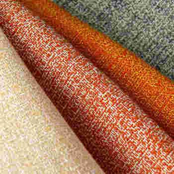 色を大きく分けると、無彩色・暖色・中性色・寒色の4つに分けられます。色を選ぶポイントは、リビングの家具との相性や、色彩効果を意識することです。また、色によって風水にも影響があると言われています。これらのポイントを踏まえながら、それぞれの色の特徴をご紹介していきますよ。