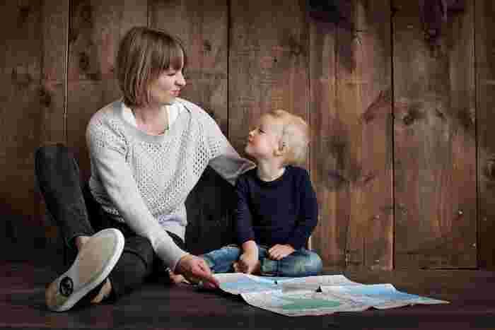子供を産んだ以上、世話をし保護をして愛情をもって育てるというのは親の務めです。時には厳しく、愛情をもっているからこそできる子育てという日々。しかし、子供がすでに親の手を離れて結婚や就職などをしているのなら、今までの付き合い方は変えていかなければならない場合も。  子供との付き合い方って、今まで通りじゃだめなの?