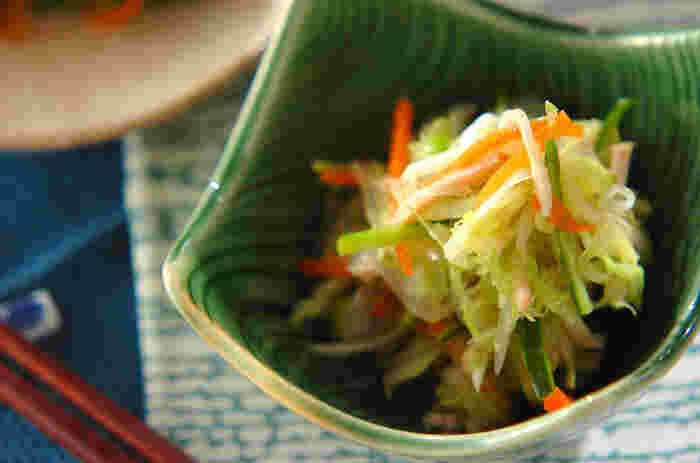 まるで上品な小料理屋さんの小鉢のような一品。ささっと作れるので、おつまみにも◎野菜がたくさん摂れるので、ダイエット中にもいいですね。