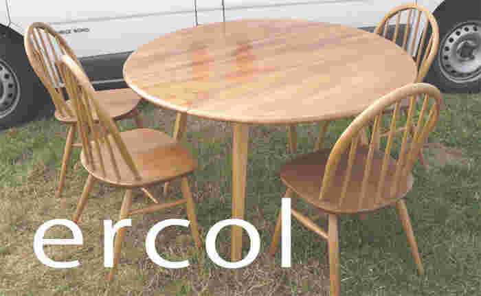 1950~60年代に製作されたアンティーク家具のコレクション。 シンプルながらにも味わいがあり、さらに使い込むことによって表情が変化することでしょう♪