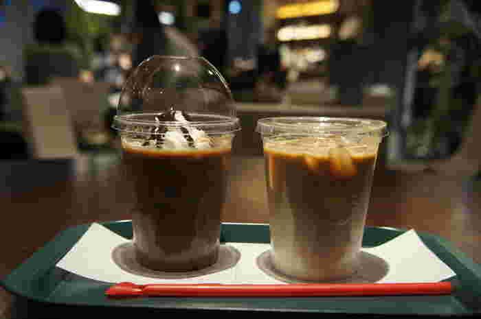 こちらでも、プラネタリウムにちなんだカクテルなども提供していたり、カフェスペースにはプロントのコーヒーショップも併設!最近では、空港デートなども人気を集めていますので、休憩がてらに訪れることができるのもいいですね◎