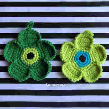 モチーフ編みは1枚でコースターやエコたわしになります。
