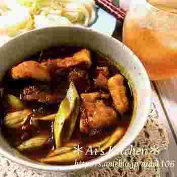 マンネリしがちな素麺も、カレー味のつけ汁なら新鮮!飲み干してしまえるおいしさですよ。素麺以外の麺でも◎