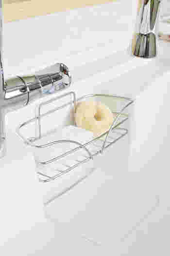 ◆サイザル麻:柔軟性と吸水性に富み、繊維全体で拭き取るような洗い方が得意です。傷がつきにくいので、テフロン加工のフライパンなど繊細な表面を持つものも洗えます。