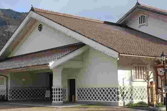 安野さんの生まれ故郷の島根県・津和野にある「安野光雅美術館」です。安野さんの描く美しい風景を思わせる自然豊かな場所にあるので、島根へ行く際はぜひ立ち寄ってみてくださいね。