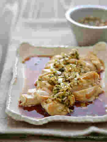 あっさり鶏むね肉を、薬味ダレで頂く一品は、サッパリとしていて白いご飯がすすみます。食欲の無い時や、暑くなるこれからの季節にもおすすめですよ!