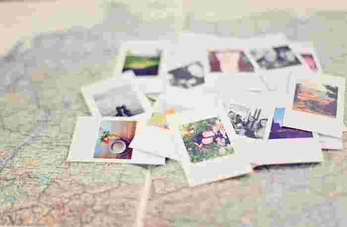 行ってきた場所には思い出の写真を貼りましょう。訪れた場所を示すとともに写真を一緒に飾ることで、思い出が昨日のことのように鮮やかに蘇ります。
